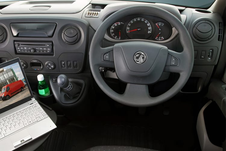 Vauxhall Movano R35 L3 2.3 CDTi BiTurbo RWD 145PS  Chassis Cab Manual [Start Stop] inside view